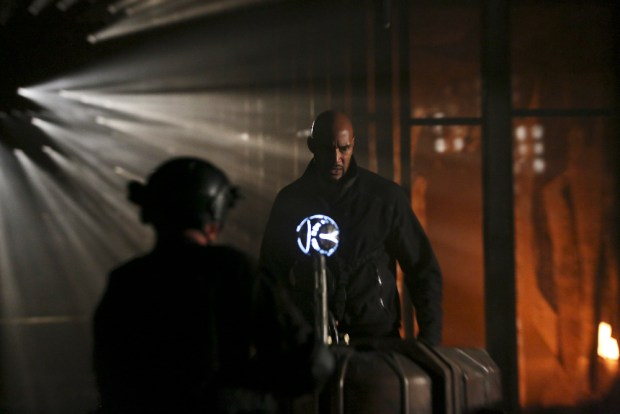 """MARVEL'S AGENTS OF S.H.I.E.L.D. - """"Failed Experiments"""" - Coulson and his team race to combat Hive's control over the Inhumans, as their enemy's deadly plan for the human race is revealed, on """"Marvel's Agents of S.H.I.E.L.D.,"""" TUESDAY, MAY 3 (9:00-10:00 p.m. EDT), on the ABC Television Network. (ABC/Scott Everett White) HENRY SIMMONS"""