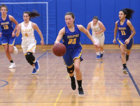 WINSTED CT. 09 January 2019-010819ER02-Housatonic Regional High School's Christina Winburn dribbles up the court on a breakaway during the girls varsity basketball game against Gilbert High School on Tuesday night. Emily J. Reynolds. Republican-American