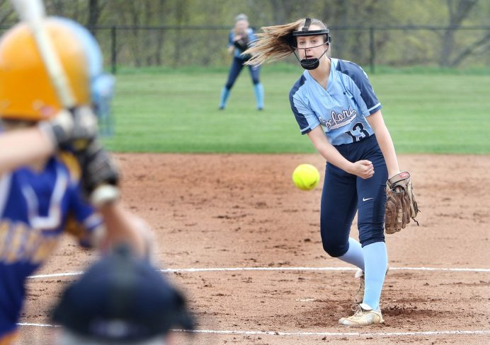 #13 Sage Borkowski of Oxford High pitches against Seymour High during softball action in Oxford Monday. Steven Valenti Republican-American