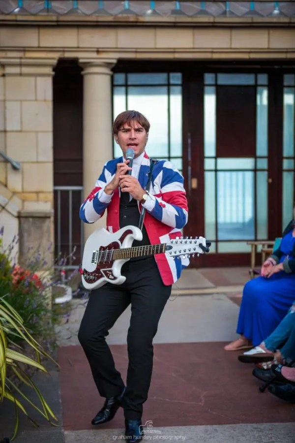 Burns Guitar, Jamie Goddard, sounds of the sixties show, 60s tribute, the zoots, band in wiltshire, 60s