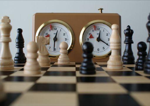 jugar ajedrez rápido