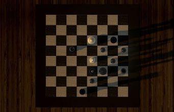 tablero de ajedrez en una mesa de madera