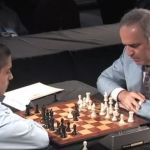 kasparov jugando al ajedrez