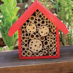 SuperMoss® Beneficial Bug House 'Heather'