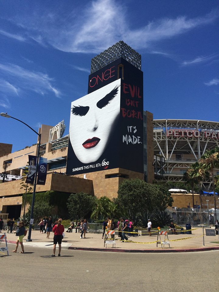 At Comic-Con, Even the Buildings Dress Up