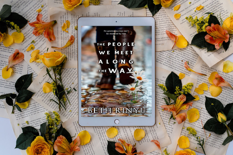 Cover to THE PEOPLE WE MEET ALONG THE WAY, a stand-alone women's fiction novel, by Beth Rinyu, releasing September 17, 2020