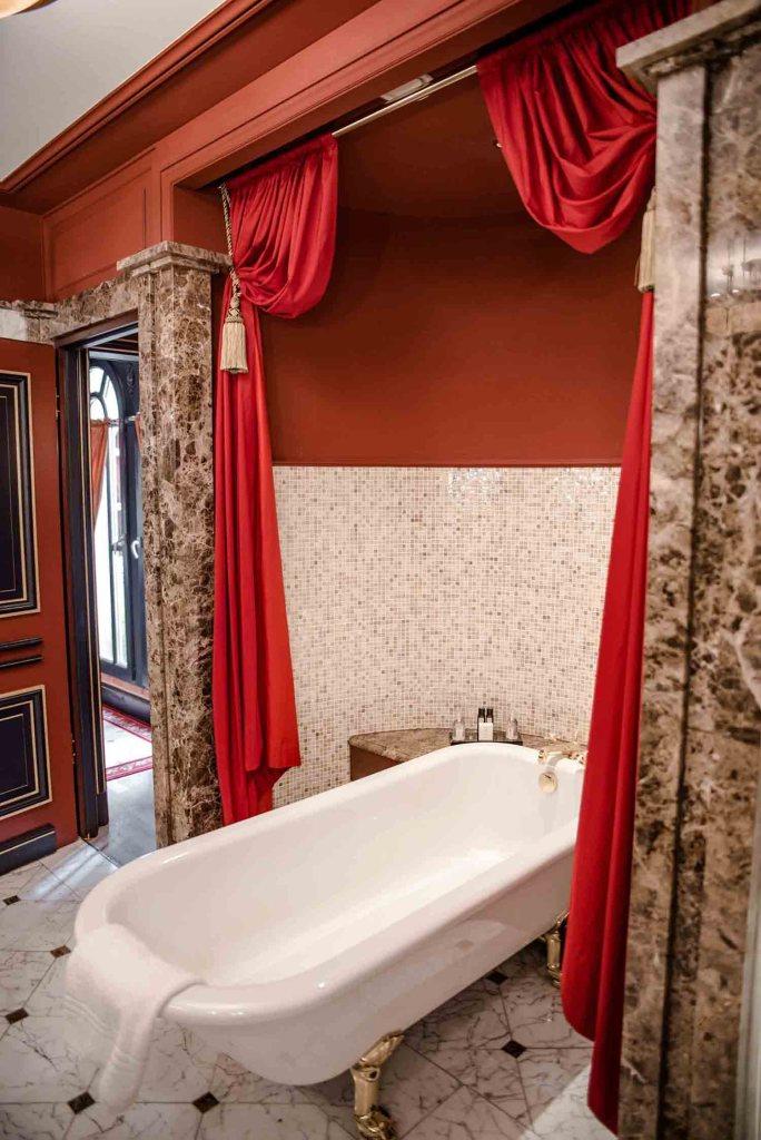 interContinental Bordeaux - Le Grand Hôtel - Suite Royale Salle de Bain