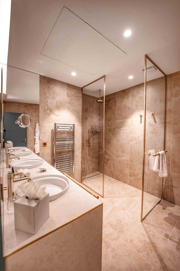 Salle de bain de la chambre à l'Imperator