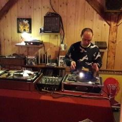 DJ foyer