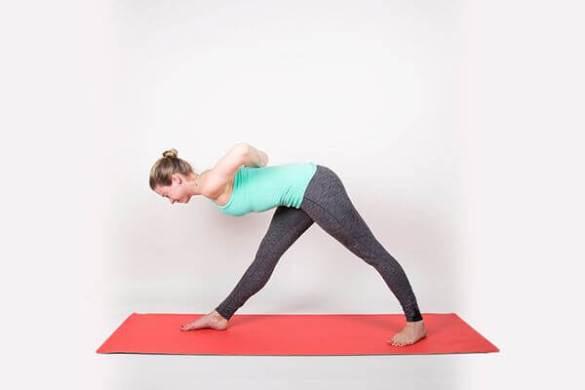 Bài tập yoga: Tư thế duỗi bên – Parsvottanasana