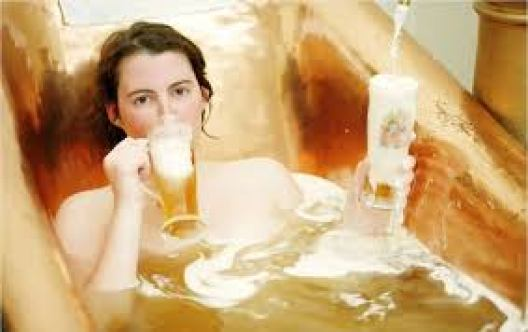 Cách làm trắng da bằng sữa tươi & bia