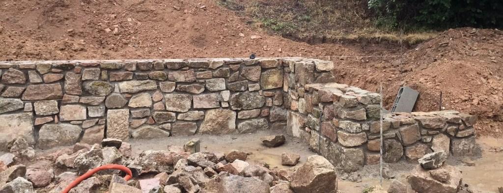 Un muret en pierre