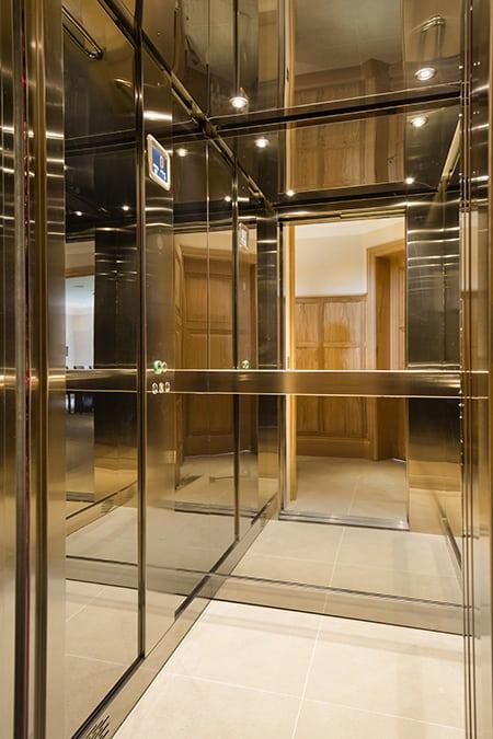 Oyster Mayfair Luxury Lift image