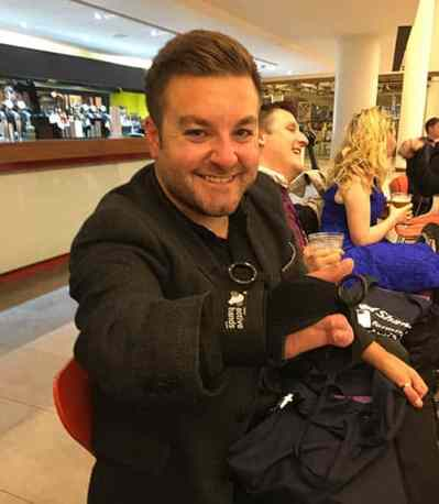 Active Hands Alex Brooker Power 100