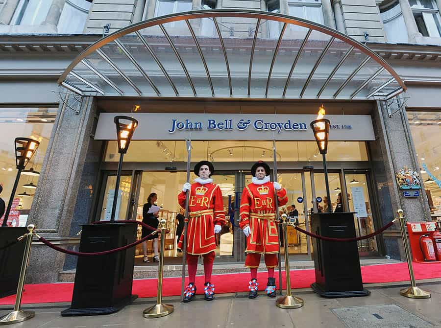 john bell & croyden royal queens guard