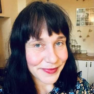 Helen Evans image