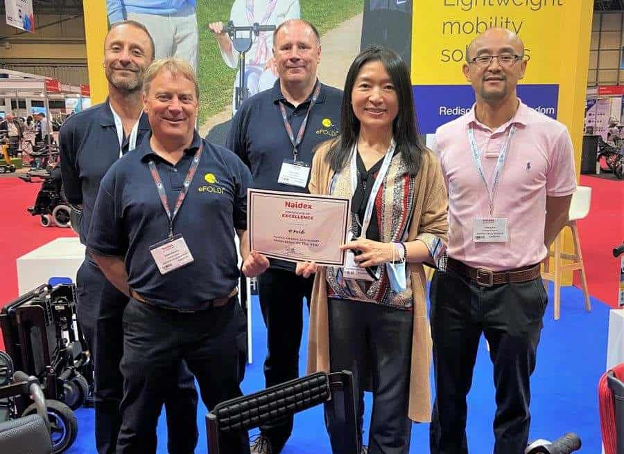 Sumi Wang and the Efoldi Team with Naidex Innovation of the Year Award