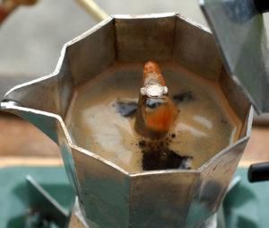 moka pot brewing with crema