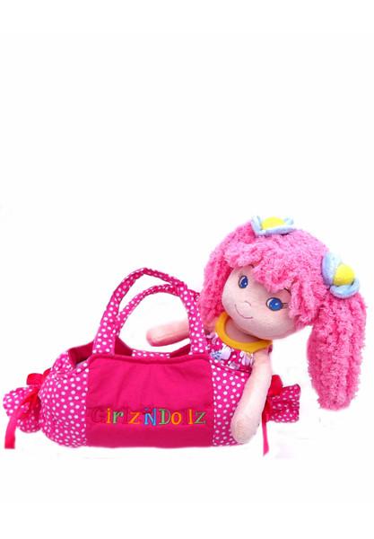 Leila_cute_with_bag-longer_83565588-4f73-4069-8d13-ecda1d16ef8b_grande