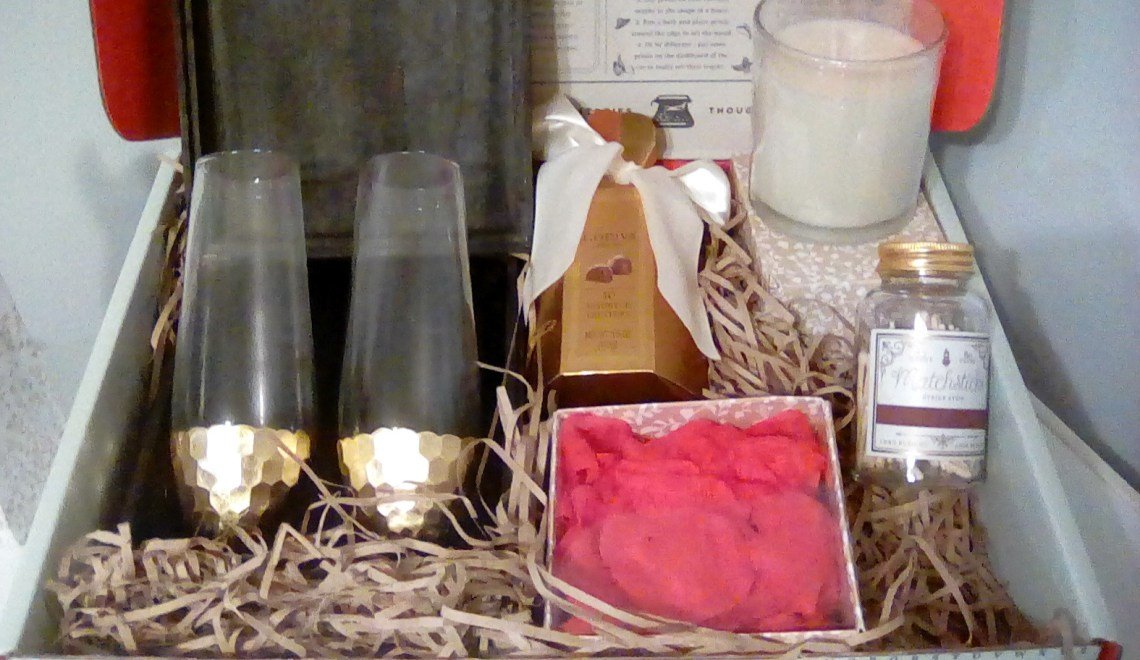 Give a Romantic Gift Set For Valentine's Day