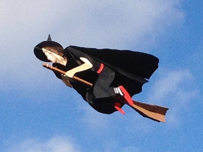 rc_flying_witch