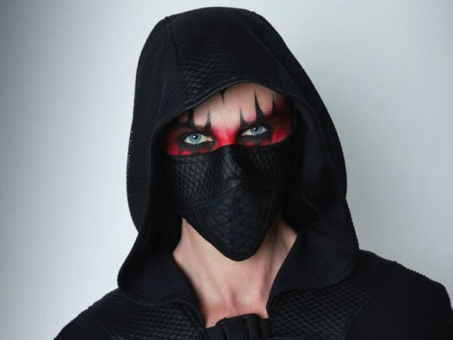 Cyberpunk black face mask with nose wire