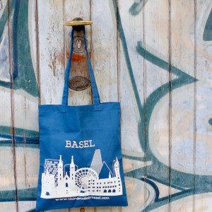 The Basel bag white on blue
