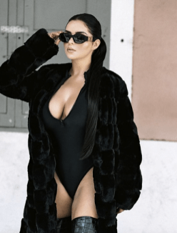 Stunning Demi Rose Sexy Looks In Her Vacation In The Jungles Of Africa 2020