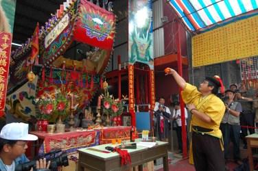 西港香送王奠祭龍船。(謝宗榮攝影)