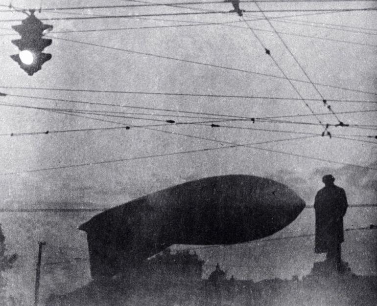 Svetlana-Ter-Minasova-my-moscow-barrage-balloon-Pushkin's-monument