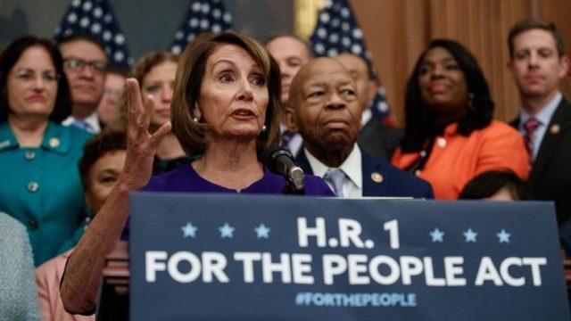 fabuła demokratów