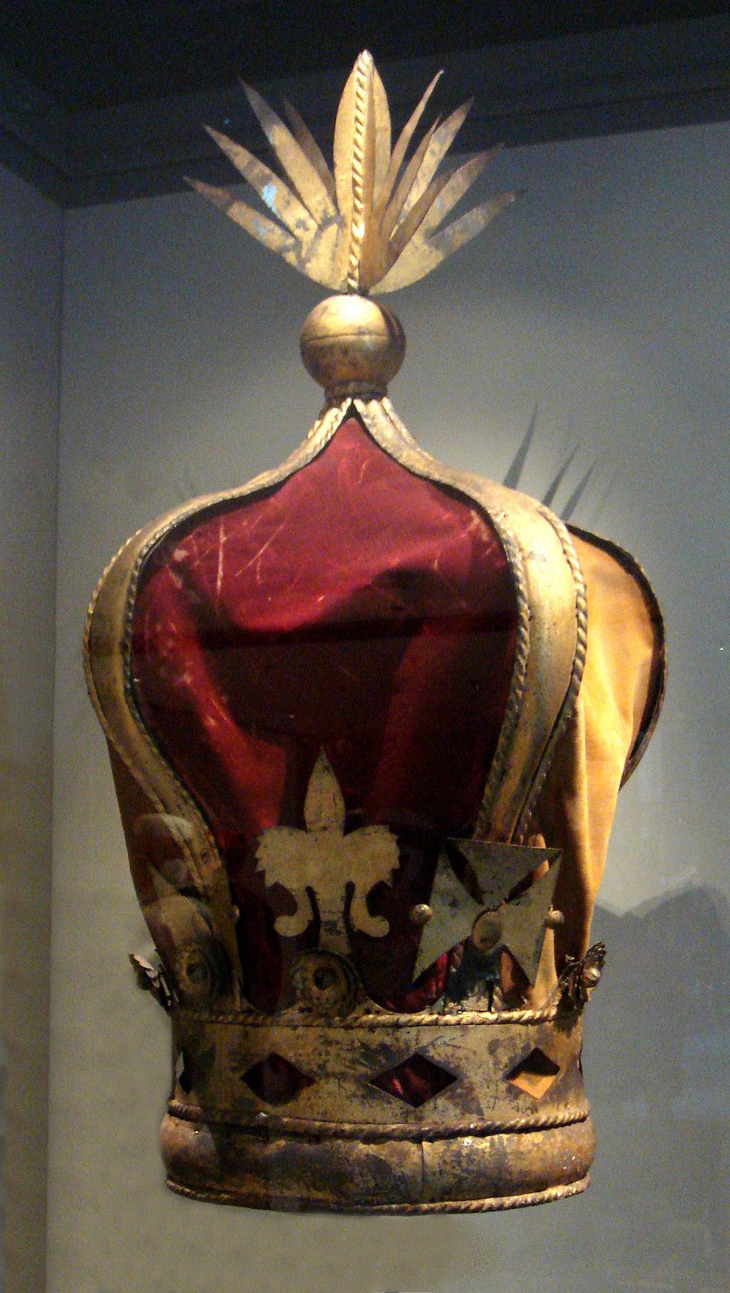 merina - 1024px-Crown_of_Queen_Ranavalona_III