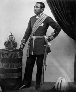 merina - monarch pic3 - Radama_II_with_crown (b1829, r start 1861 r end 1863)