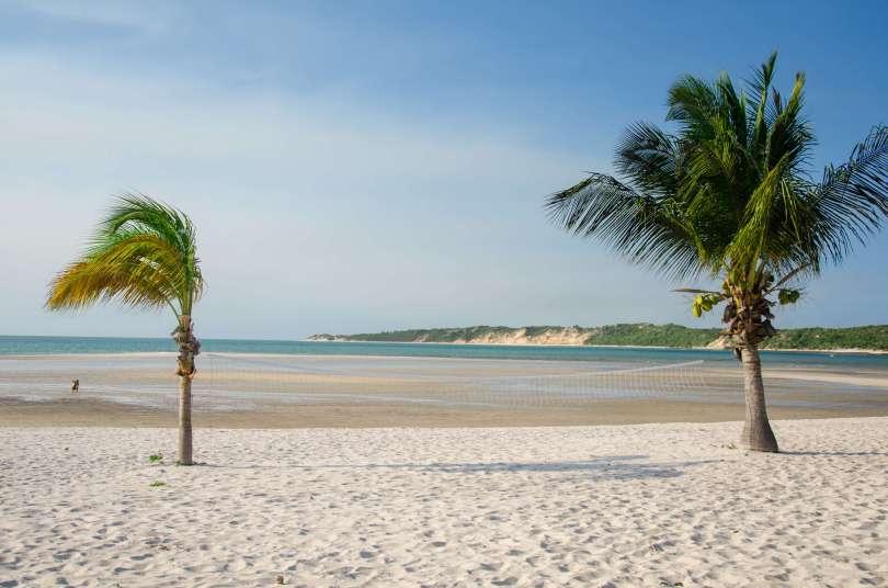 maravi - Joseph-C-Lawrence-benguerra-island-beach