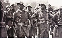 https://upload.wikimedia.org/wikipedia/commons/thumb/b/bd/Senagalese_French_soldiers_WW1.jpg/220px-Senagalese_French_soldiers_WW1.jpg
