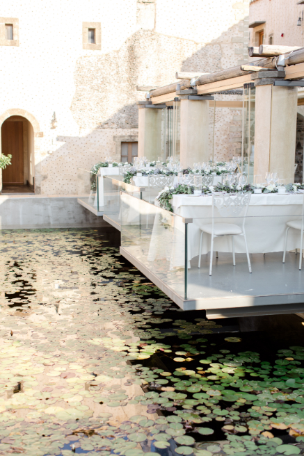 destination wedding in Kinserna hotel by think happy events