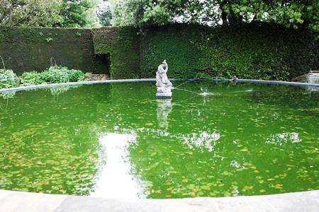 Bathing Pool Hidcote copyright Charles Hawes for thinkingardens