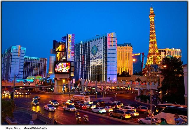 Las Vegas (Moyan_Brenn)