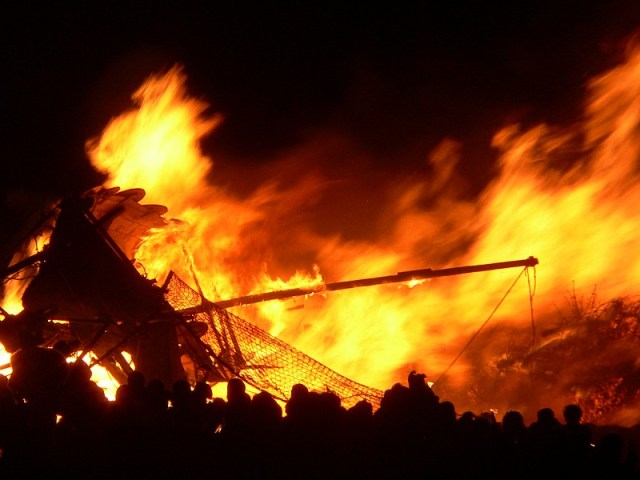 A viking longship is lit in Edinburgh every Hogmanay. By Lee Kindness (Creative Commons)