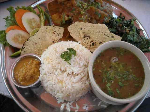 Dal Bhat - Vegan in Nepal