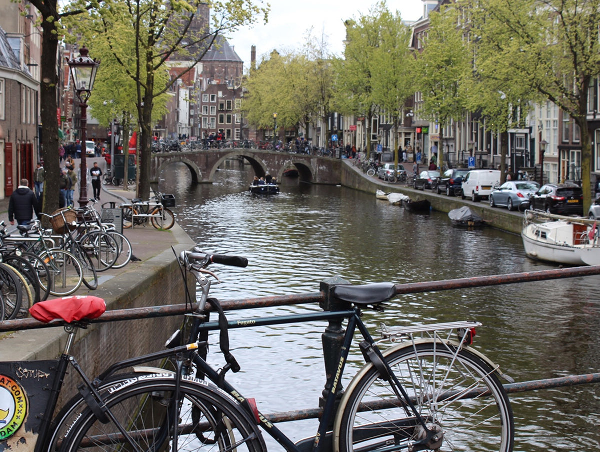 Where to Eat in Amsterdam: Mini Guide and Tips