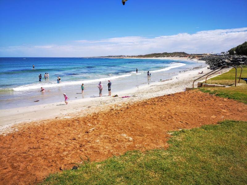 Grannies Beach - dongara - Western Australia Family