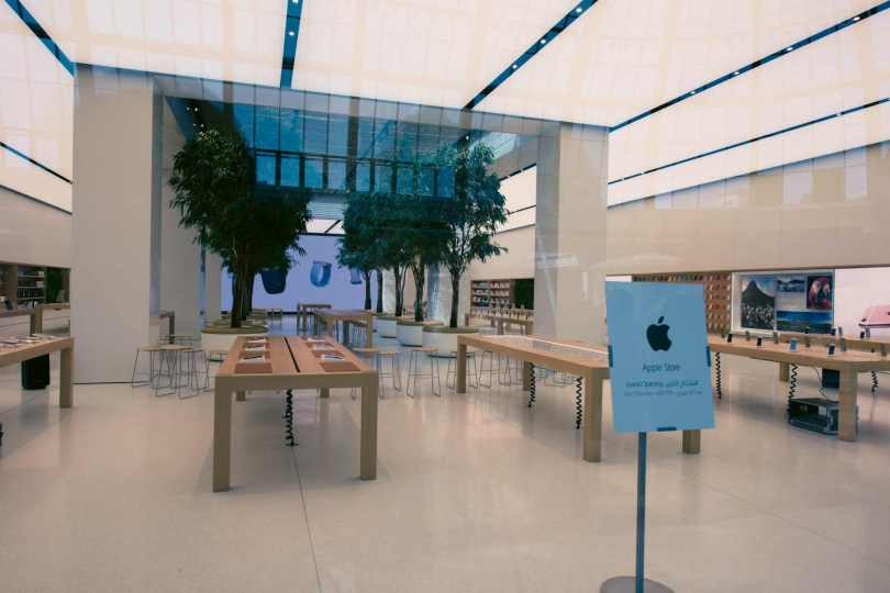 Apple Store in Dubai's Mall of the Emirates17