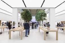 Apple Store in Dubai's Mall of the Emirates3