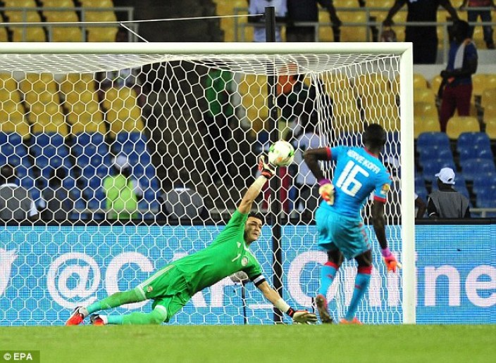 Essam El-Hadary saves a penalty for Egypt during the shootout against Burkina Faso | 2017 Africa Cup of Nations