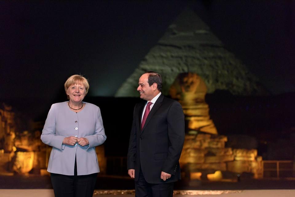 Angela Merkel and Sisi at the Egyptian Pyramids