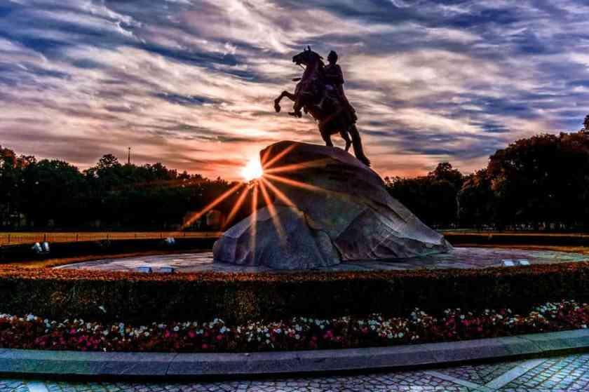 bronze horseman dawn day 433567_result