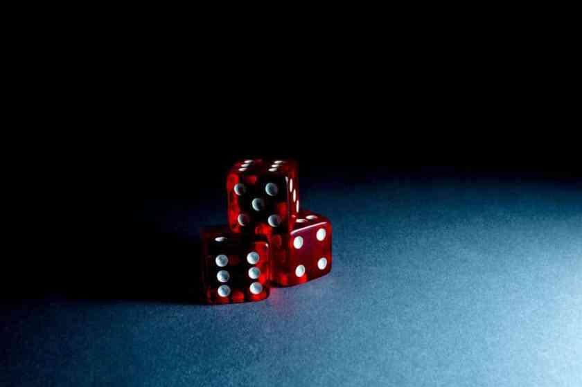 close up cubes dice 707837_result