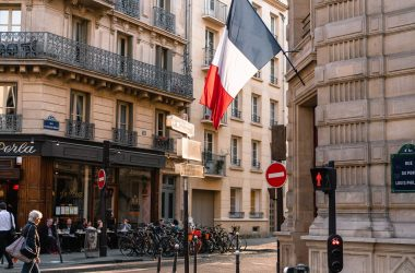 France return to the office