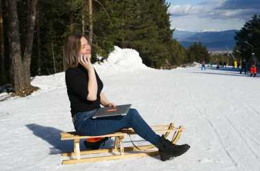 skiing digital nomads